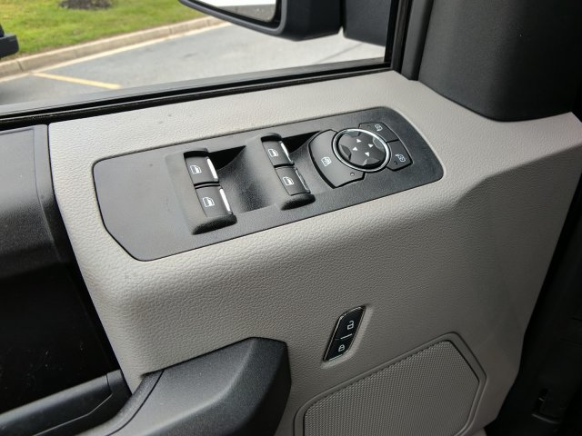 2018 F-150 Crew Cab 4x4, Pickup #J520 - photo 11