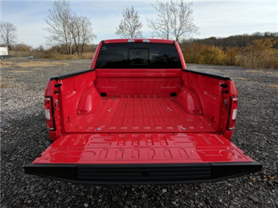 2018 F-150 Crew Cab 4x4, Pickup #J661 - photo 8