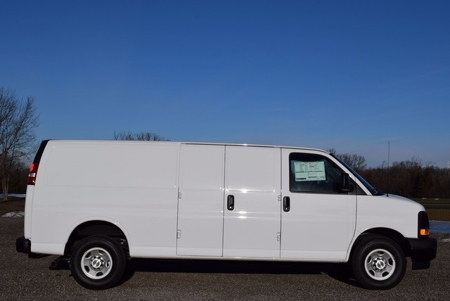 2017 Express 3500, Cargo Van #37369 - photo 4