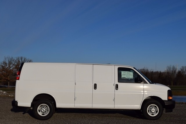 2017 Express 3500, Cargo Van #37512 - photo 4
