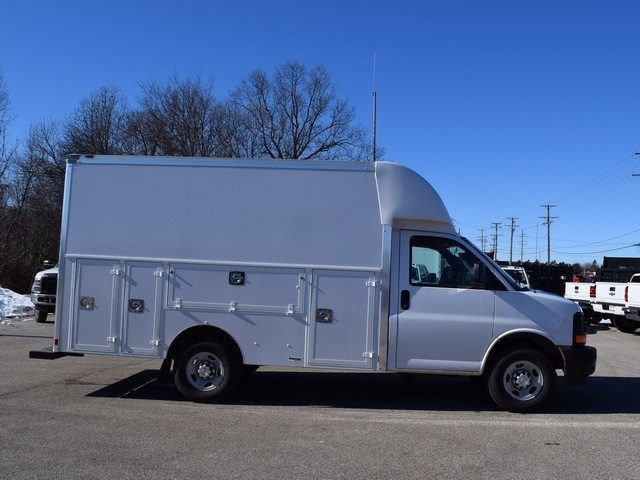 2017 Express 3500, Supreme Service Utility Van #37795 - photo 4