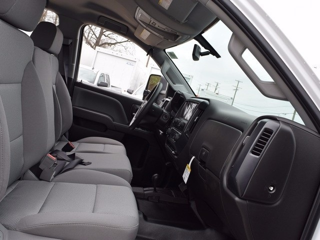 2017 Silverado 3500 Double Cab 4x4, Cab Chassis #38044 - photo 11