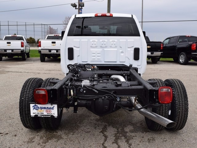 2017 Silverado 3500 Double Cab 4x4, Cab Chassis #38044 - photo 6
