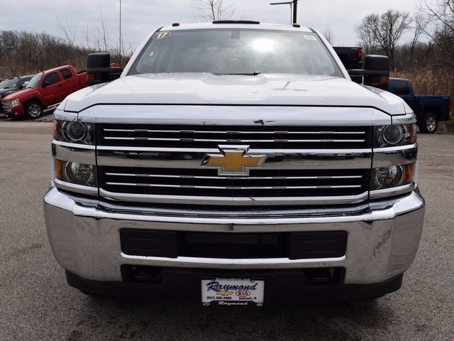 2017 Silverado 3500 Double Cab 4x4, Cab Chassis #38044 - photo 8