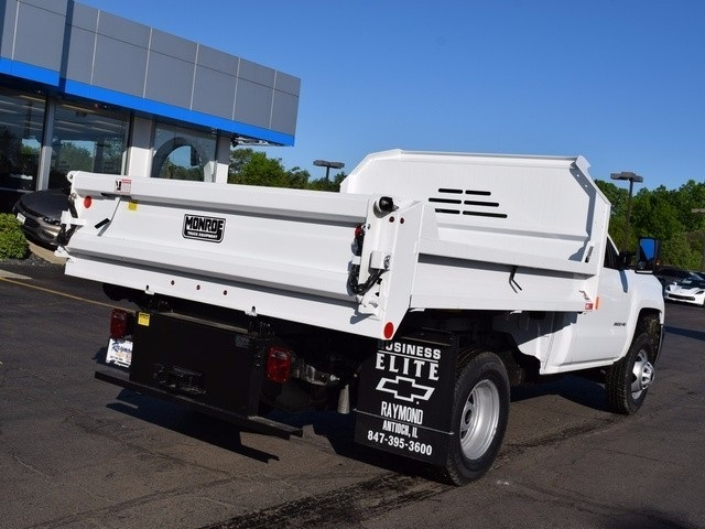 2017 Silverado 3500 Regular Cab 4x4 Dump Body #38202 - photo 2