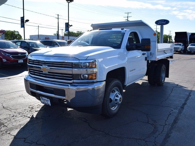 2017 Silverado 3500 Regular Cab 4x4 Dump Body #38202 - photo 3