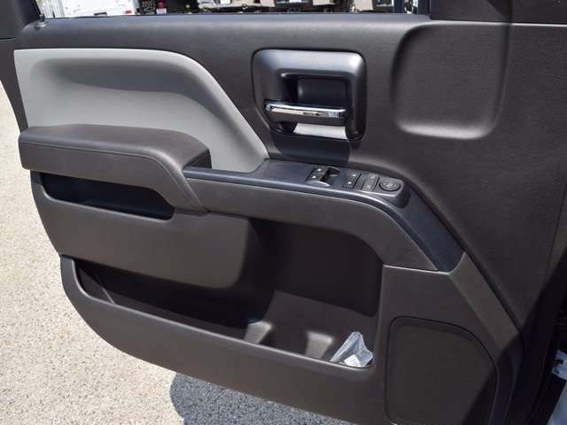 2017 Silverado 3500 Regular Cab DRW 4x4, Cab Chassis #38337 - photo 21