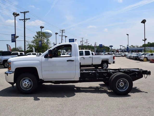 2017 Silverado 3500 Regular Cab DRW 4x4, Cab Chassis #38337 - photo 6
