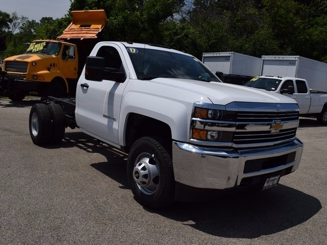 2017 Silverado 3500 Regular Cab DRW 4x4, Cab Chassis #38337 - photo 9
