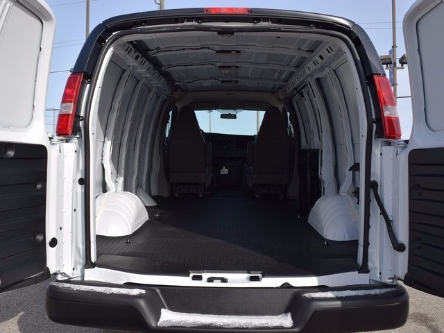 2017 Express 3500 Cargo Van #38481 - photo 2