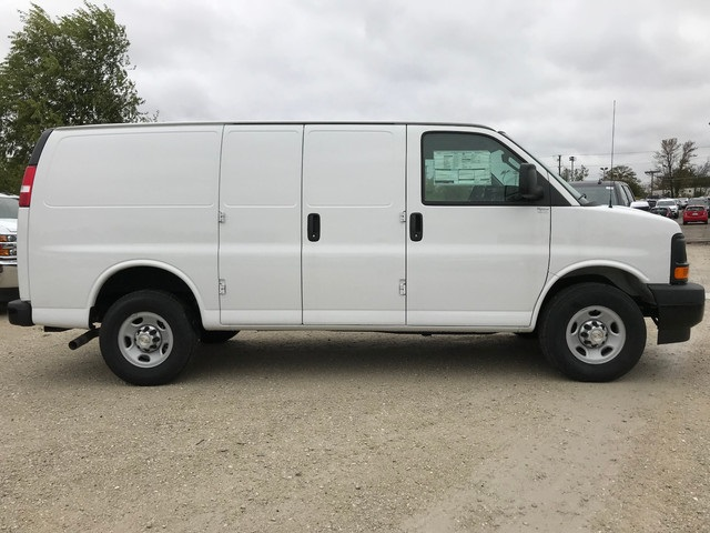 2017 Express 3500 Cargo Van #38481 - photo 5