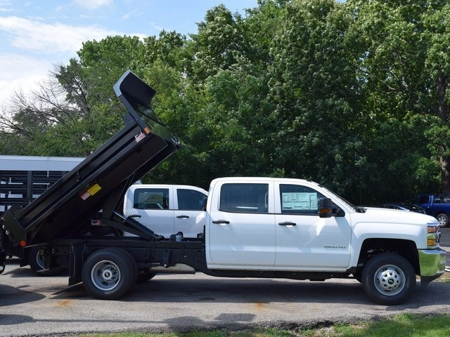 2017 Silverado 3500 Crew Cab DRW 4x4 Dump Body #38550 - photo 2