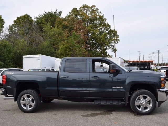 2017 Silverado 2500 Crew Cab 4x4, Pickup #38574 - photo 3