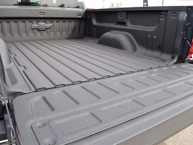 2017 Silverado 2500 Crew Cab 4x4, Pickup #38574 - photo 20