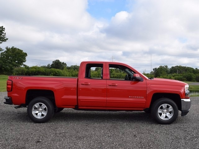 2018 Silverado 1500 Double Cab 4x4, Pickup #38575 - photo 3