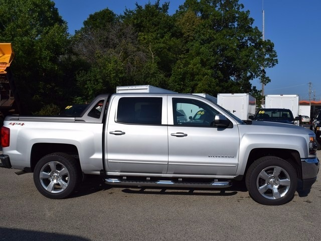 2017 Silverado 1500 Crew Cab 4x4 Pickup #38582 - photo 3