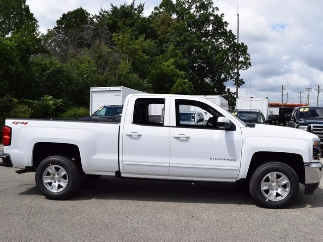 2018 Silverado 1500 Double Cab 4x4, Pickup #38638 - photo 3