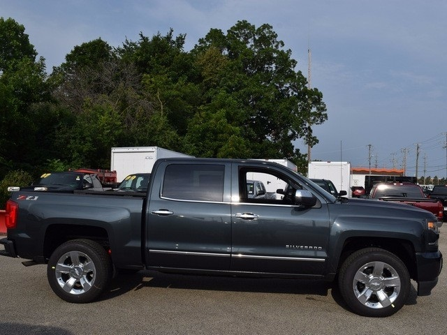 2018 Silverado 1500 Crew Cab 4x4, Pickup #38652 - photo 3