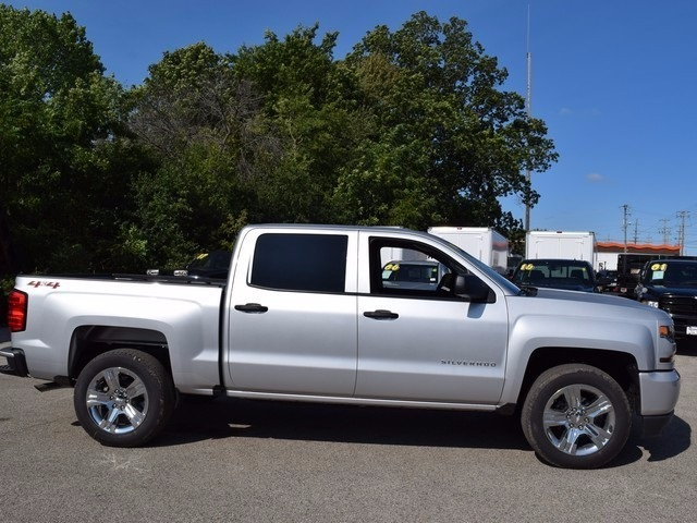 2018 Silverado 1500 Crew Cab 4x4 Pickup #38697 - photo 3