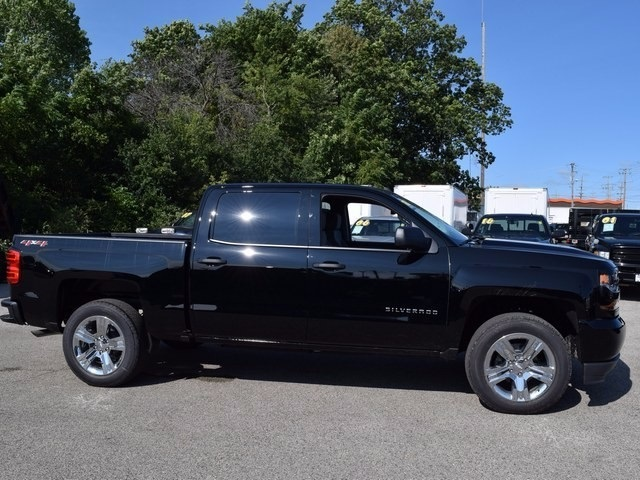 2018 Silverado 1500 Crew Cab 4x4 Pickup #38706 - photo 3