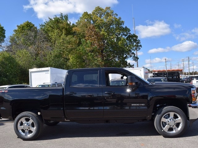 2018 Silverado 2500 Crew Cab 4x4, Pickup #38894 - photo 3