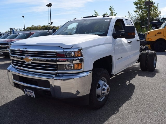 2017 Silverado 3500 Double Cab 4x4 Cab Chassis #38921 - photo 7