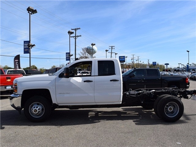 2017 Silverado 3500 Double Cab 4x4 Cab Chassis #38921 - photo 6