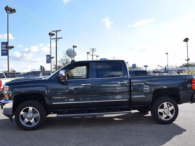 2018 Silverado 2500 Crew Cab 4x4 Pickup #38944 - photo 8