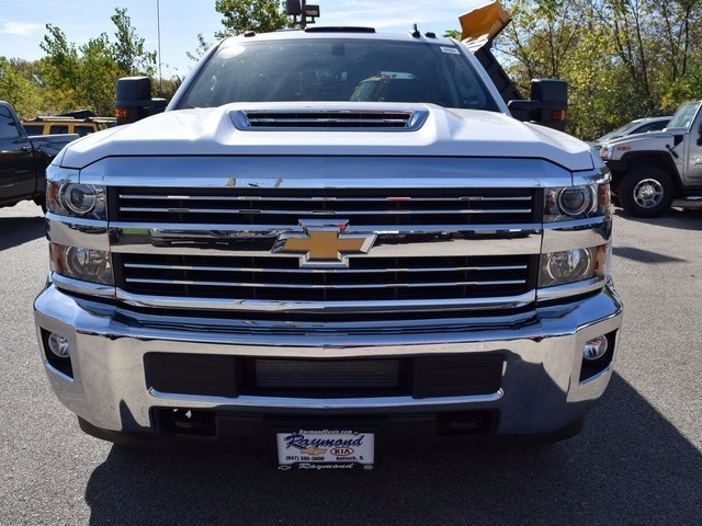 2018 Silverado 3500 Crew Cab 4x4 Pickup #38952 - photo 10