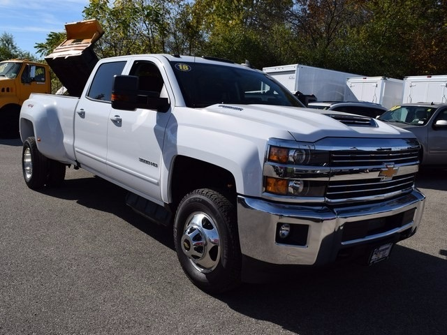 2018 Silverado 3500 Crew Cab 4x4 Pickup #38952 - photo 13