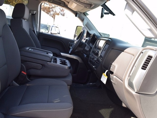 2018 Silverado 3500 Crew Cab 4x4 Pickup #38952 - photo 15