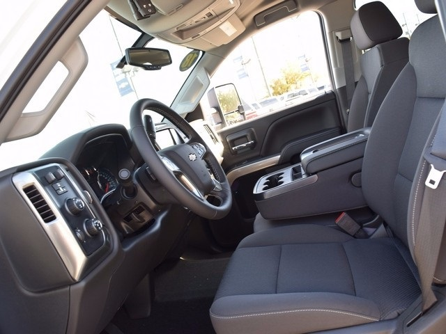 2018 Silverado 3500 Crew Cab 4x4 Pickup #38952 - photo 23