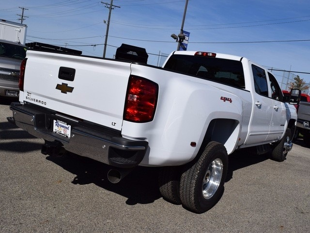 2018 Silverado 3500 Crew Cab 4x4 Pickup #38952 - photo 2