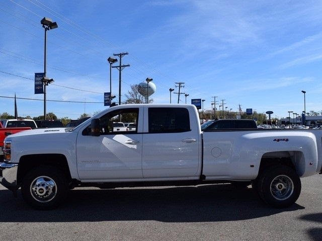 2018 Silverado 3500 Crew Cab 4x4 Pickup #38952 - photo 8