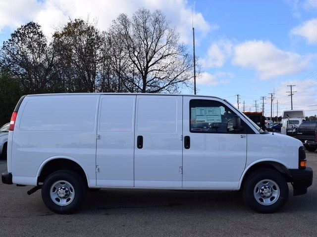 2017 Express 3500 Cargo Van #39074 - photo 4