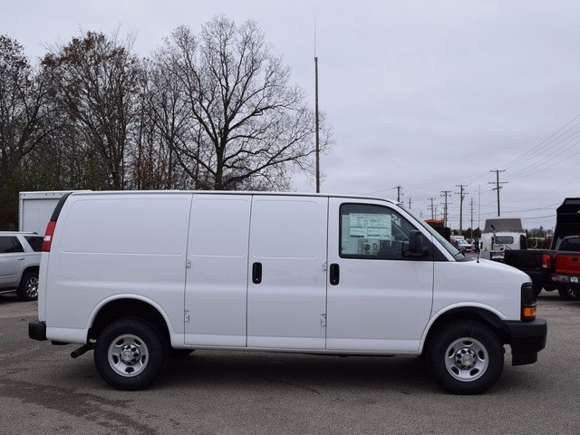 2017 Express 3500 Cargo Van #39096 - photo 3