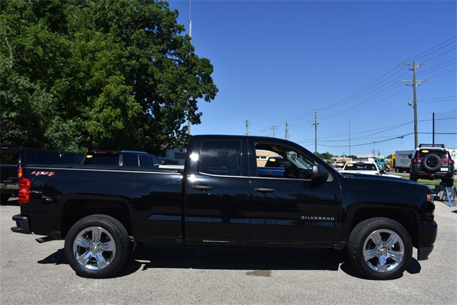 2018 Silverado 1500 Double Cab 4x4,  Pickup #40109 - photo 3