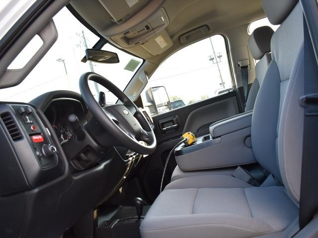 2018 Silverado 3500 Crew Cab DRW 4x4,  Dump Body #40133 - photo 21