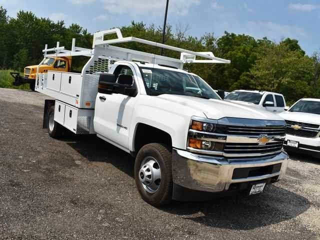 2018 Silverado 3500 Regular Cab DRW 4x4,  Knapheide Contractor Body #40166 - photo 7