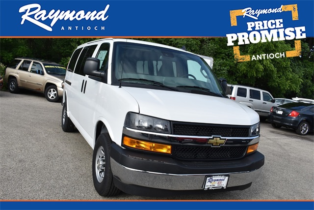 2020 Chevrolet Express 3500 4x2, Passenger Wagon #42466 - photo 1