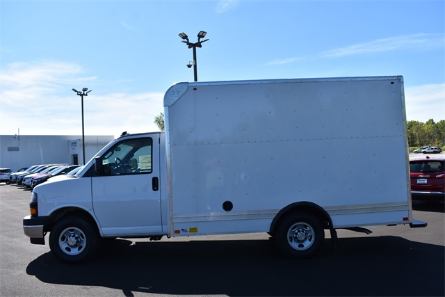 2020 Chevrolet Express 3500 4x2, Bay Bridge Cutaway Van #42656 - photo 6