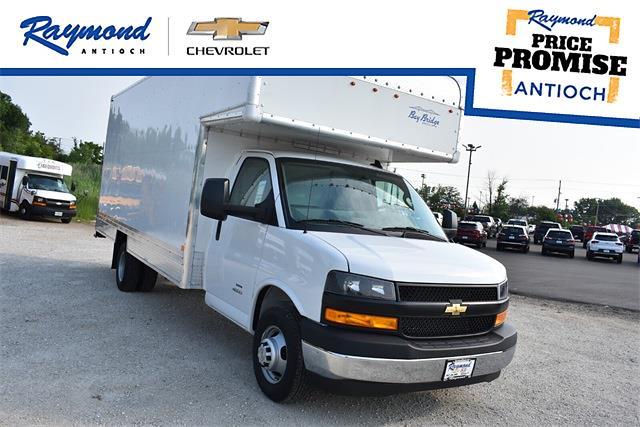 2021 Chevrolet Express 4500 DRW 4x2, Bay Bridge Cutaway Van #43581 - photo 1