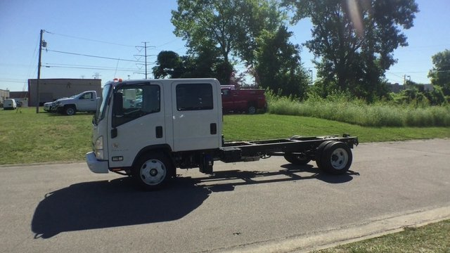 2017 Low Cab Forward Crew Cab, Cab Chassis #17130 - photo 5