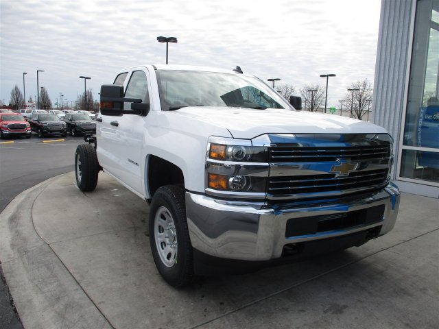 2017 Silverado 2500 Double Cab 4x4, Cab Chassis #17358 - photo 11