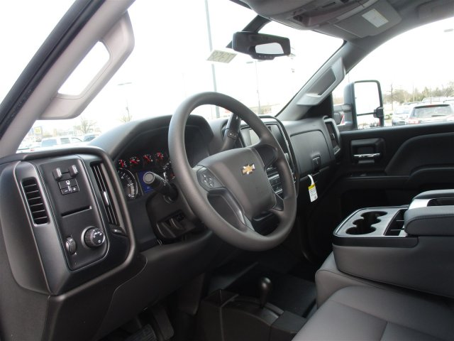 2017 Silverado 2500 Double Cab 4x4, Cab Chassis #17358 - photo 18