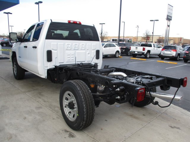 2017 Silverado 2500 Double Cab 4x4, Cab Chassis #17358 - photo 23