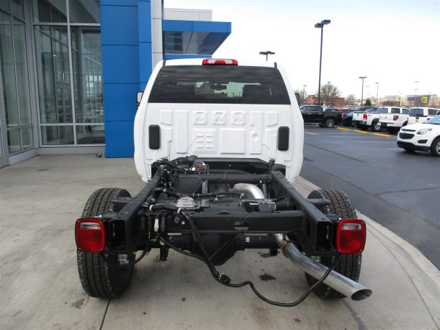 2017 Silverado 2500 Double Cab 4x4, Cab Chassis #17358 - photo 25
