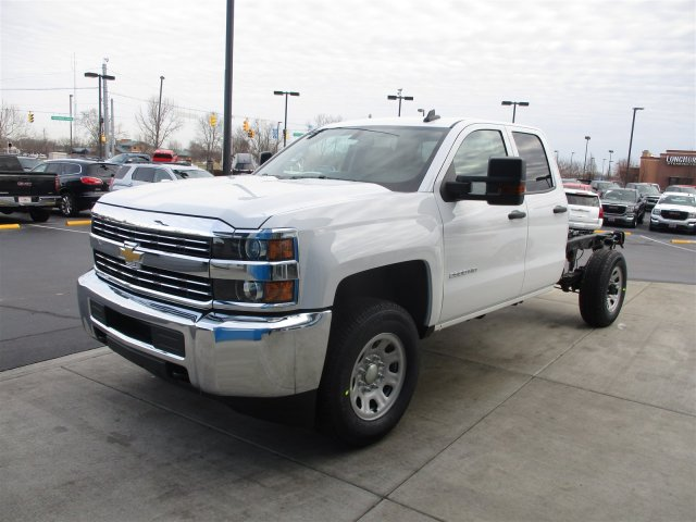 2017 Silverado 2500 Double Cab 4x4, Cab Chassis #17358 - photo 4
