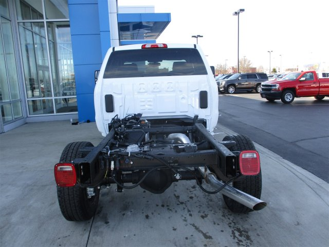 2017 Silverado 2500 Double Cab 4x4, Cab Chassis #17374 - photo 21