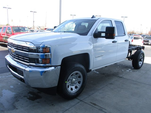 2017 Silverado 2500 Double Cab 4x4, Cab Chassis #17374 - photo 4